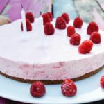 gâteau-nuage-de-fraises-anniversaire